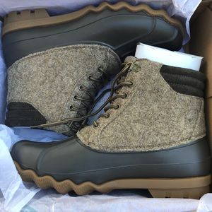 BNIB Sperry Avenue Duck Boots - Wool